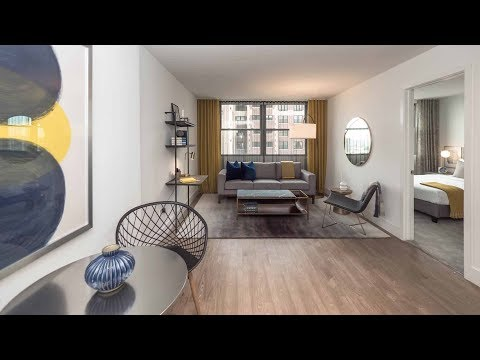 Tour a G-tier 1-bedroom model in Lakeview East at Wave Lakeview