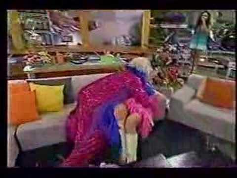 mujeres ensenando los calzones en infraganti