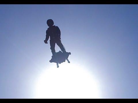 Состоялись первые испытания доски, на которой можно летать стоя