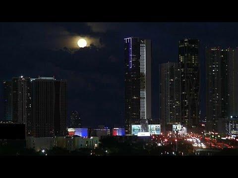 «Μάγεψε» το μπλε φεγγάρι