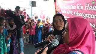 Shah THR Gegar dan Anna Aljuffrey THR Gegar beraya di majlis sambutan Hari Raya rumah Asnaf 2 di Kelantan baru-baru ini. Nah kami belanja video berkenaan aktiviti yang diadakan di majlis tersebut.THR GegarWebsite: http://gegar.thr.fm Facebook: https://www.facebook.com/THRGEGARTwitter: https://twitter.com/THR_GEGARYouTube: https://www.youtube.com/THRGEGAR1