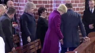 Wszystkie ręce Andrzeja Dudy.