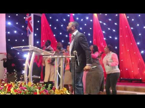 Minister Izunna Ministering at Rccg Victory House Part 1