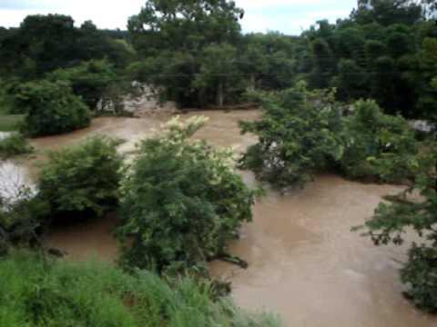enchente e em Adelândia-GO
