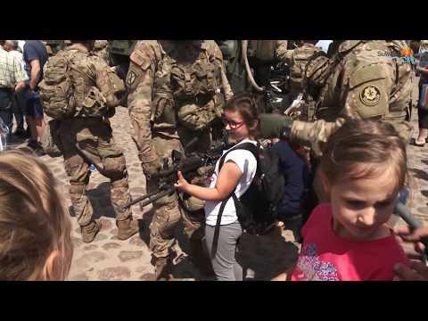 Żołnierze NATO w regionie. W Raczkach swój sprzęt prezentowali na rynku