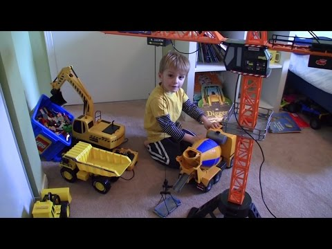 Construction site Toys: Crane! Excavator! Cement  Truck! Dump Truck! Lego! OH MY! Dickie