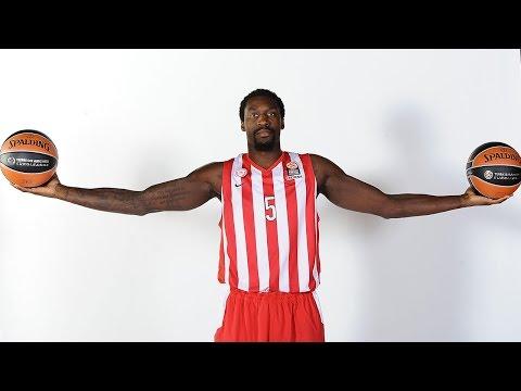 Dunk of the night: Othello Hunter, Olympiacos Piraeus