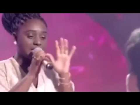 The Voice Kids Letícia Corrêa Canta Adelle (Hello) (видео)