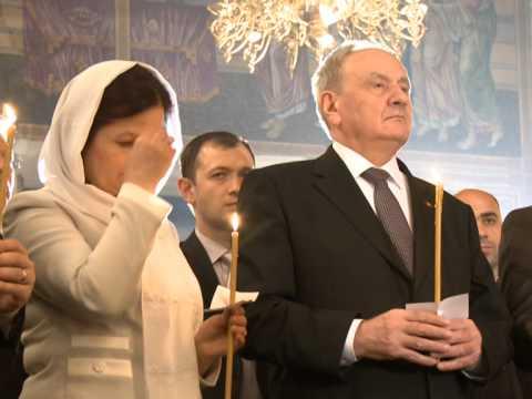"""Președintele Nicolae Timofti a asistat la slujba de Înviere oficiată la Catedrala """"Nașterea Domnului"""" din Chișinău"""