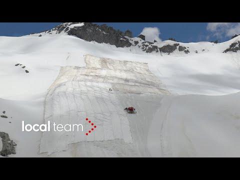 Il clima che cambia: teloni protettivi per coprire il ghiacciaio del Presena