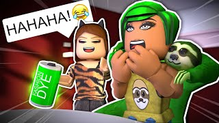 Roblox Royale High - PRANKING MY ANNOYING ROOMMATE !? (Roblox Roleplay)