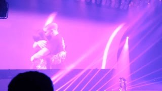 HD Drake invites NICKI MINAJ on STAGE !!  [PARIS BERCY] Boy Meets World Tour 2017