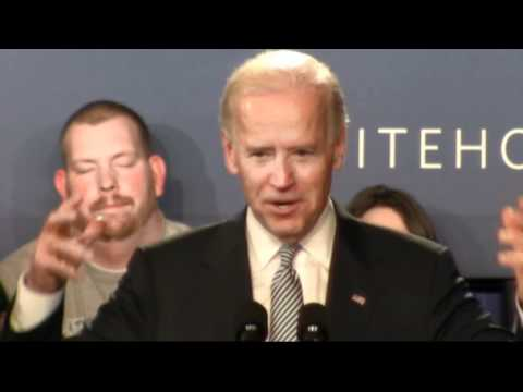 Man struggles to stay awake during Biden speech