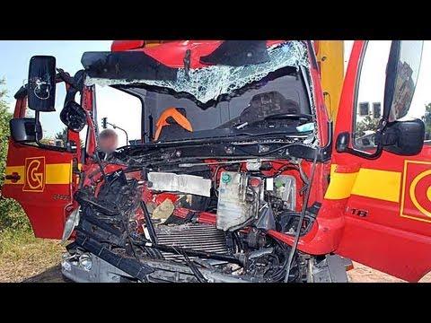 Allendorf: Lkw-Fahrer 45 Minuten eingeklemmt