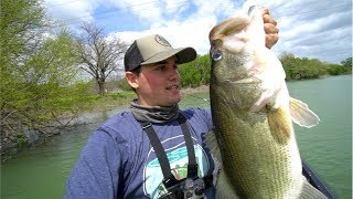 Video Catching GIANT Spring Bass (My NEW PB of 2018) MP3, 3GP, MP4, WEBM, AVI, FLV Agustus 2018