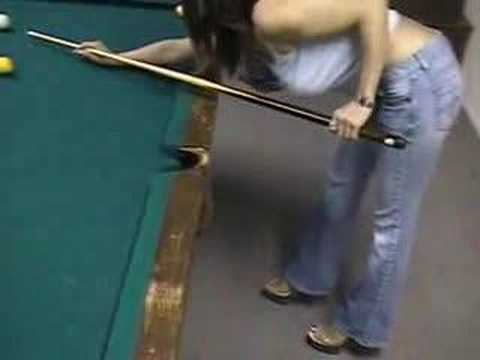 Chicas, por favor!!!... Para jugar al billar hay que estar concentrados