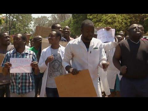 Στους δρόμους οι γιατροί στην Ζιμπάμπουε