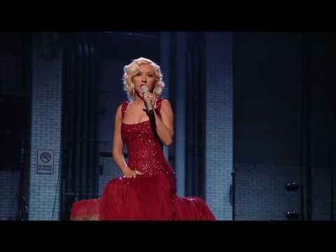 Christina Aguilera – Hurt + Lyrics (Live) HD HQ