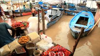 Garhmukteshwar India  City new picture : Boats on monsoon swollen Ganga at Garhmukteshwar Garh Ganga ghat