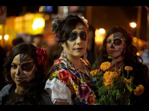 FIESTA TRADICION - DIA DE LOS  MUERTOS EN OAXACA - THE DAY OF THE DEAD.  PARTE 2