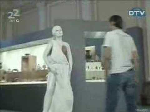 Humor para adultos – La bromita de la estatua desnuda