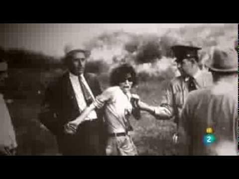 clyde - Bonnie Parker y Clyde Barrow: (Texas, EE.UU.) Estos dos amantes del crimen hicieron suyo aquel mandamiento utilizado en otros momentos por quienes adoraban «...