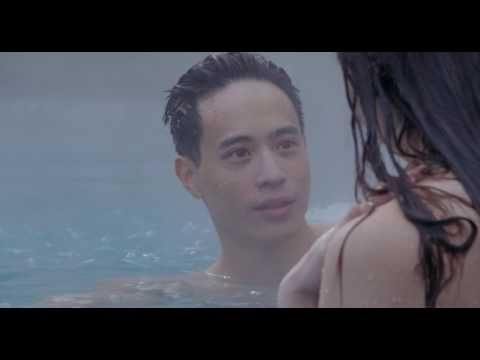 [1080p] The Edge of Seventeen - Erwin and Nadine in the swimming pool