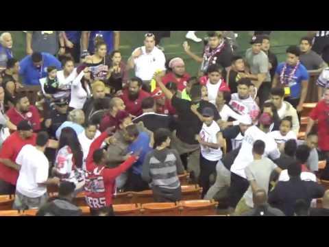JPS title game: Spectators fight in bleachers 1/14/17 (видео)