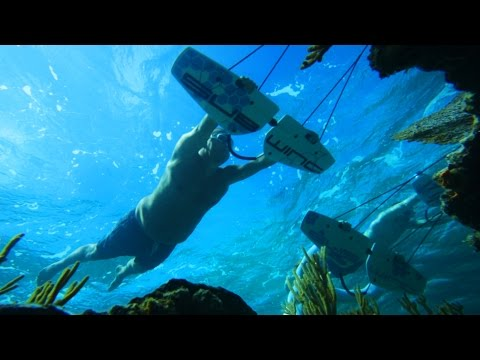 Flying Underwater With A Subwing