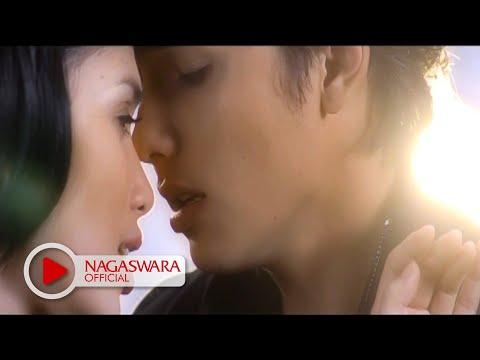 Ussy Feat Andhika Pratama - Kupilih Hatimu - Official Music Video - Nagaswara