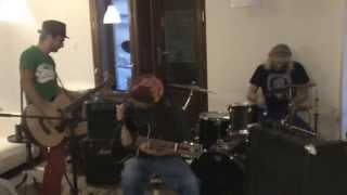 Video Do hlavy Brouk v Malým kafi - Groteska