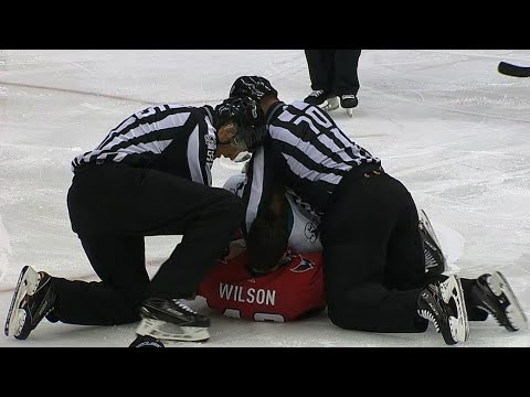 Video: Wilson drops Thornton in quick fight for Sharks veteran
