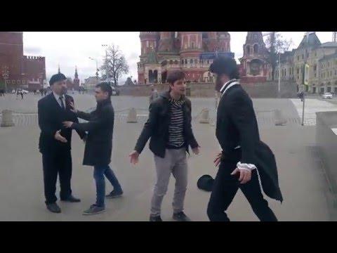 Пушкин подрался с Лениным на Красной площади