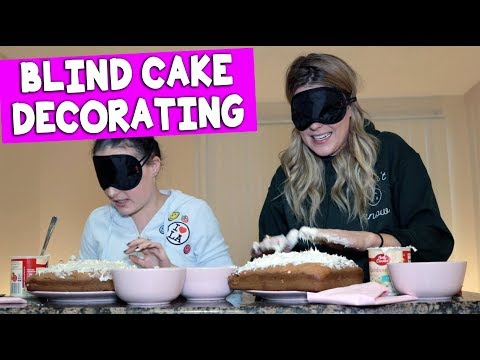 BLIND(folded) CAKE DECORATING CONTEST (with Molly Burke) // Grace Helbig