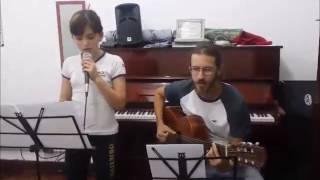 """Luisa Prado Interpretando """"A Banda"""" (Chico Buarque)"""