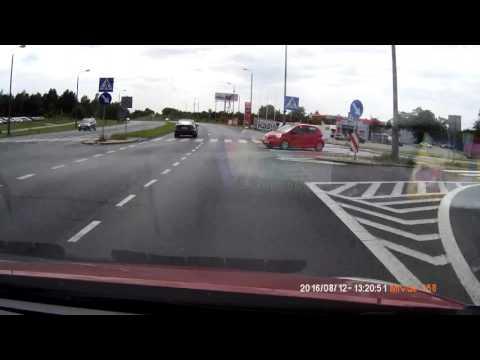 wymuszenie-i-wypadek-na-skrzyzowaniu