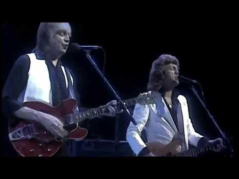 Tekst piosenki Moody Blues - Don't Let Me Be Misunderstood po polsku