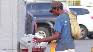 ¿Qué hace un mendigo con el dinero que le damos? (Experimento Social)
