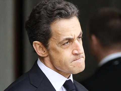 En 2012, Il ne faut pas que Sarkommence, mais pas La Pen non plus de croire Hollandemains qui chantent...