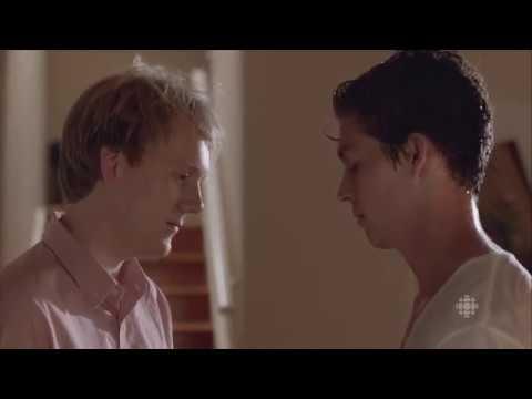Wade Briggs / Josh Thomas (back together /gay) - Please Like Me (tv series / comedy drama)
