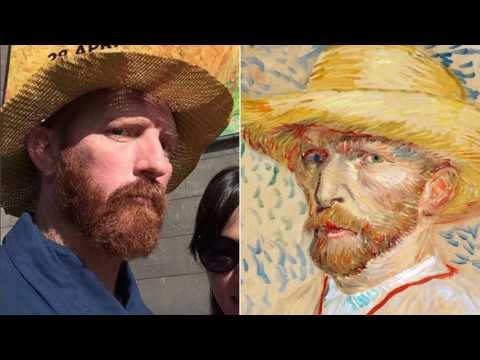 News Update Van Gogh lookalike's selfie offer draws 'crazy' response 19/05/17