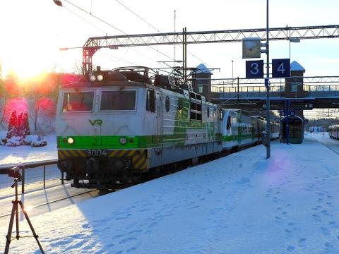 Finnish express train P669, Pendolino S958 and InterCity 955