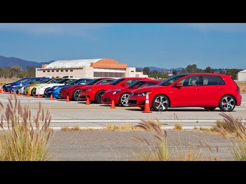 incredibile drag race con dieci supercar