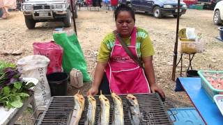khej-me-tajlaj-tshav-puam-2015-flea-market-khek-noi-