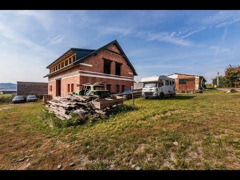 Video Prodej domu 252m2, pozemek 2 558m2,stodola 304 m2,garáž 84 m2- Sedlčany - Sestrouň