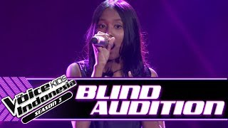 Video Sakira - Senandung Maaf | Blind Auditions | The Voice Kids Indonesia Season 3 GTV 2018 MP3, 3GP, MP4, WEBM, AVI, FLV Agustus 2018
