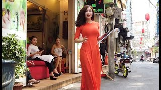 Video Walking Around Massage Street in Saigon, Vietnam Early Morning, They start working so Early! MP3, 3GP, MP4, WEBM, AVI, FLV Juni 2019