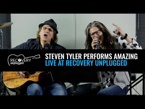 "Steven Tyler Performs ""Amazing"" At Recovery Unplugged Drug Rehab"