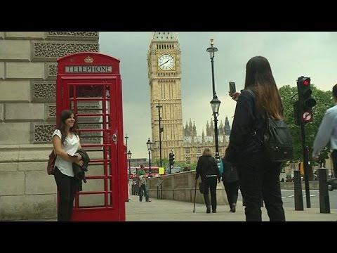 Βρετανία: Οι περίφημοι κόκκινοι τηλεφωνικοί θάλαμοι στον 21ο αιώνα