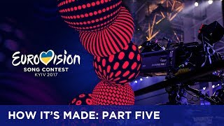 One of the most important elements in the production of the Eurovision Song Contest is the camera work. Sometimes it requires timing and precision for the crew to stay out of the camera shots while setting up a prop. How is this done? Find out in the video. If you want to know more about the Eurovision Song Contest, visit https://eurovision.tv